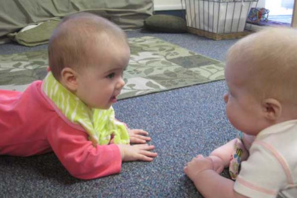 infants learning to crawl